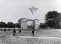http://www.imd.tu-bs.de/files/gimgs/th-109_109_01gardeluftschiffertempelhofer-feld1907.jpg